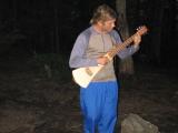 051seagull-playing-guitar