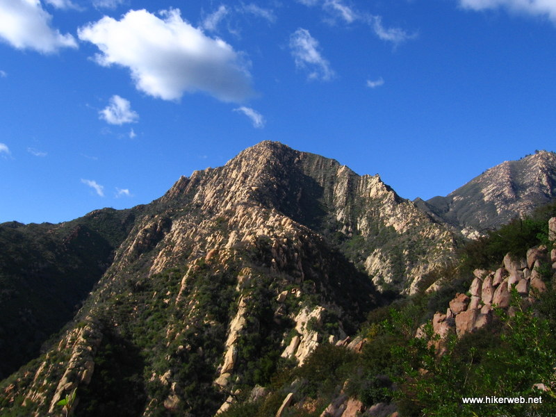 A view of the Arlington Peak ridgeline from Tunnel Trail.
